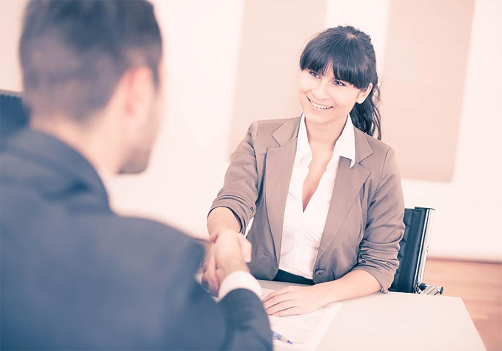 prise de contact premier entretien vente commercial